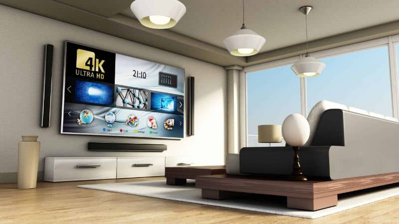 Smart TV pendurada na parede