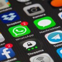 movil apps whatsapp telegrama camara dropbox facebook
