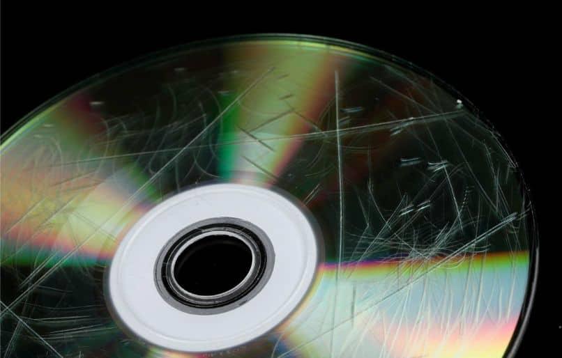 cd arranhado