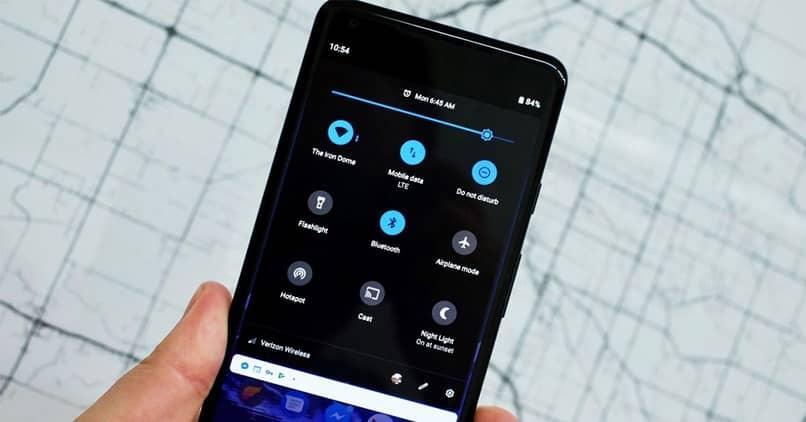 notificações de celular escuro