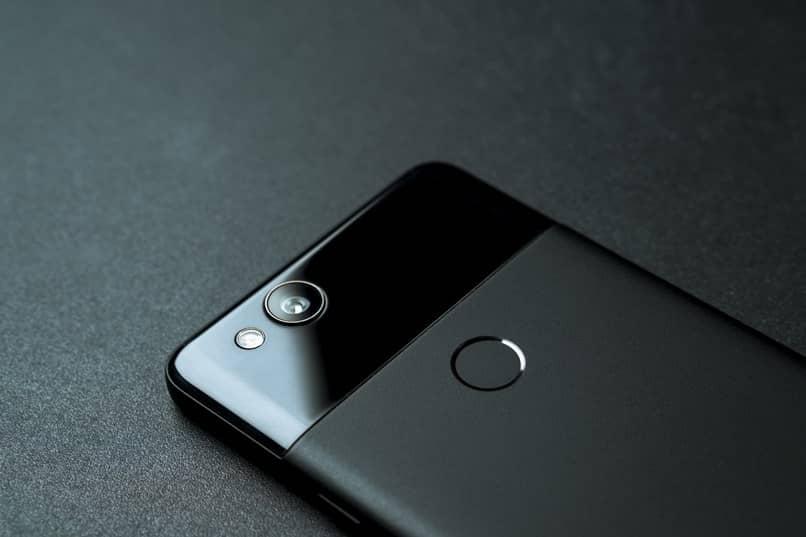 câmera traseira móvel preta