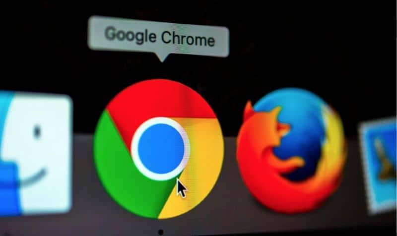 Logo Chrome y Firefox, pantalla