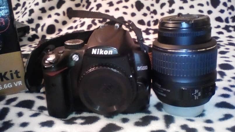 câmera nikon preta