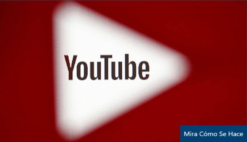 fundo vermelho triângulo desfocado youtube
