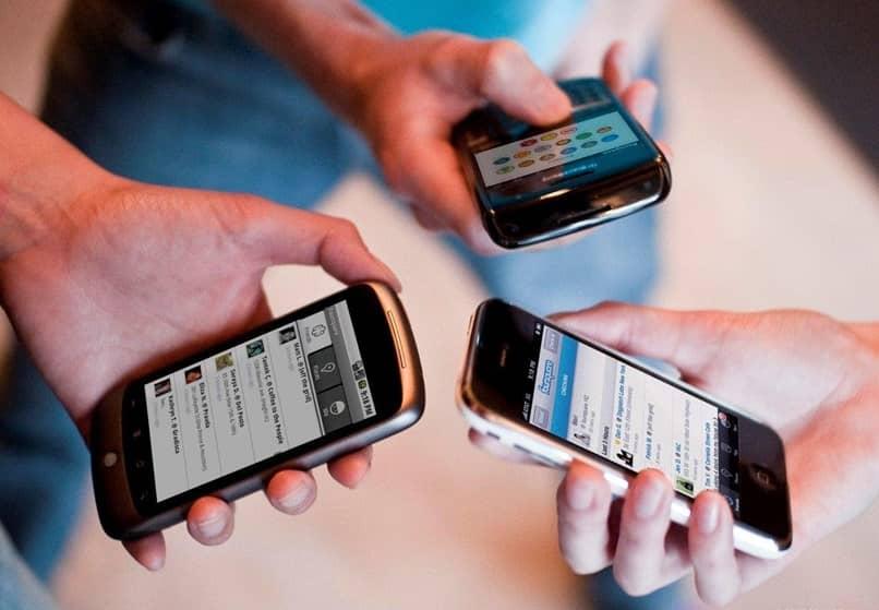 pessoas conexão móvel