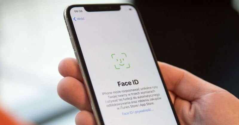 Touch ID e Face ID em movimento